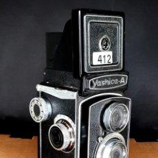 Cámara de fotos: YASHICA A - VINTAGE TLR IN EXTREMELY GOOD CONDITION 1956. Lote 206534090