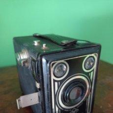 Cámara de fotos: CAMARA AGFA SYNCHRO BOX ALEMANIA 1951. Lote 211694588