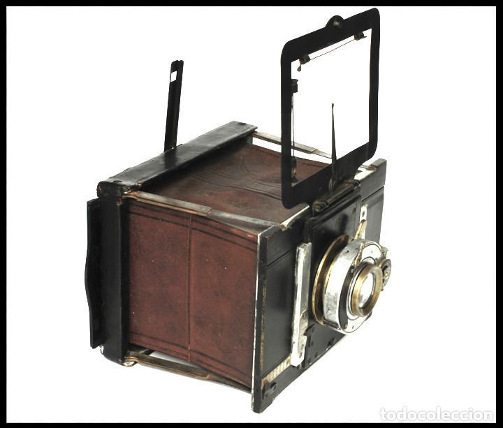 Cámara de fotos: BELLIENI EXTRA PLATT 9X12CM CON BERTHIOT OLOR 135MM F/6 . FUELLE ROJO - Foto 2 - 212615106