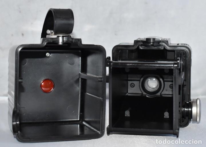 Cámara de fotos: GRAN RAREZA EN BAQUELITA..PSEUDO TLR..KODAK BROWNIE HAWKEYE..USA 1949...MUY BUEN ESTADO..FUNCIONA - Foto 18 - 213813540