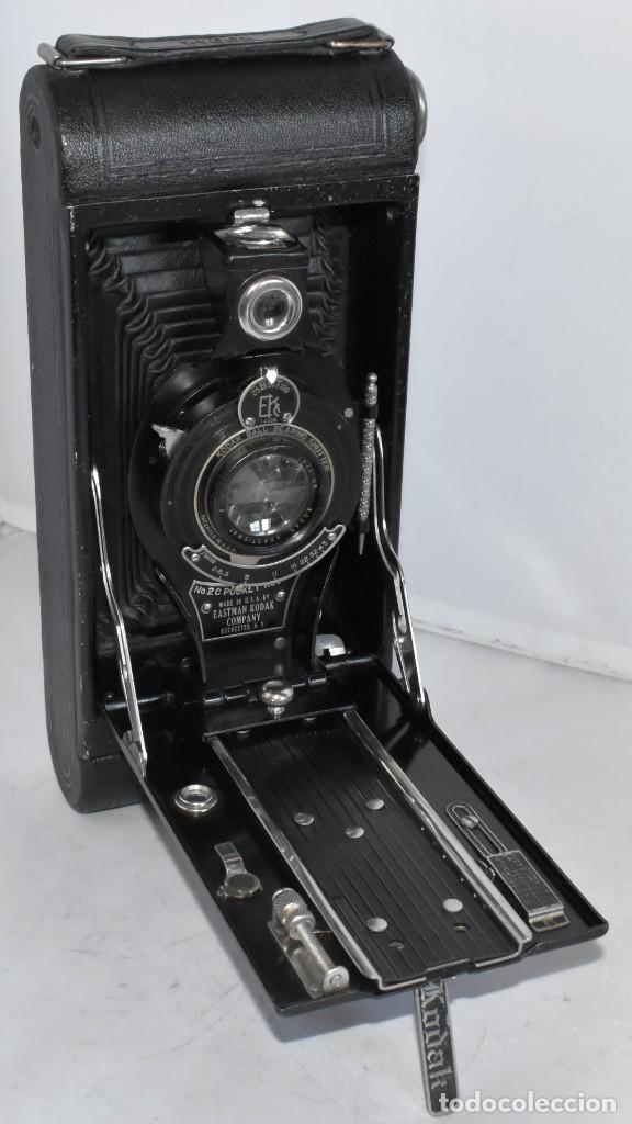 Cámara de fotos: ANTIGUEDAD, RAREZA..ENORME 23 cm..KODAK POCKET Nº 2C+PUNZÓN..BUEN ESTADO.FUNCIONA..USA 1925..OCASION - Foto 3 - 215831045