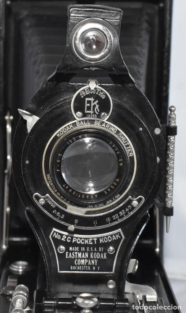 Cámara de fotos: ANTIGUEDAD, RAREZA..ENORME 23 cm..KODAK POCKET Nº 2C+PUNZÓN..BUEN ESTADO.FUNCIONA..USA 1925..OCASION - Foto 6 - 215831045