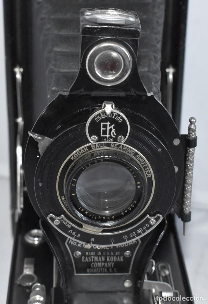 Cámara de fotos: ANTIGUEDAD, RAREZA..ENORME 23 cm..KODAK POCKET Nº 2C+PUNZÓN..BUEN ESTADO.FUNCIONA..USA 1925..OCASION - Foto 8 - 215831045