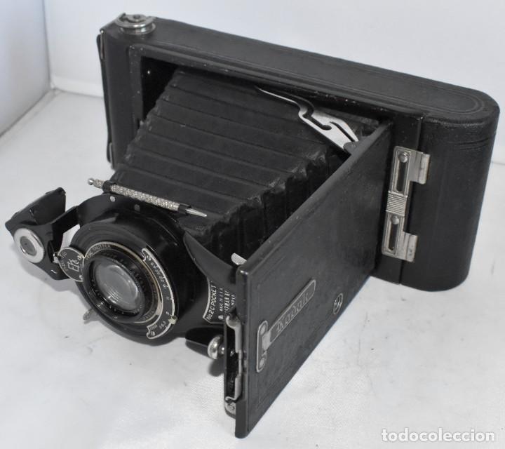 Cámara de fotos: ANTIGUEDAD, RAREZA..ENORME 23 cm..KODAK POCKET Nº 2C+PUNZÓN..BUEN ESTADO.FUNCIONA..USA 1925..OCASION - Foto 23 - 215831045