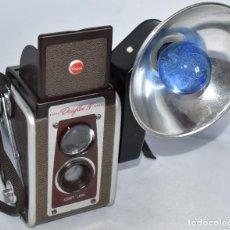 Cámara de fotos: DECORATIVA Y RARA..KODAK DUAFLEX IV+FLASHY BOMBILLA..COLOR.MADE IN USA 1947.MUY BUEN ESTADO.FUNCIONA. Lote 216358326