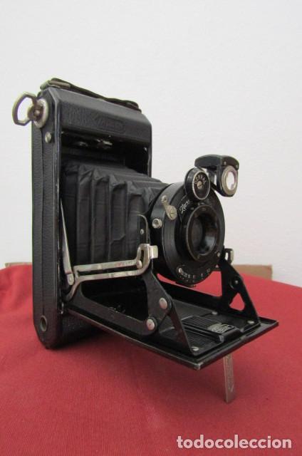 Cámara de fotos: Antigua cámara fotos alemana fuelle plegable marca Zeiss Ikon Ikonta 510/2 año 1936 con su estuche - Foto 2 - 216842506