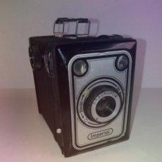 Cámara de fotos: PRECIOSA Y RARA CAMARA IMPERIAL VINTAGE MUY RETRO Y DECORATIVA CON UN TOQUE ART DECO 1949. Lote 217378561