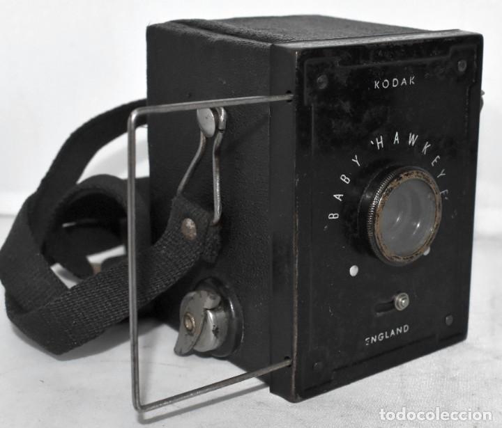 Cámara de fotos: ESCASA Y RARA MINIATURA EN 127 FILM..KODAK BABY HAWKEYE..INGLATERRA 1936..FUNCIONA..REGULAR ESTADO - Foto 2 - 219548917
