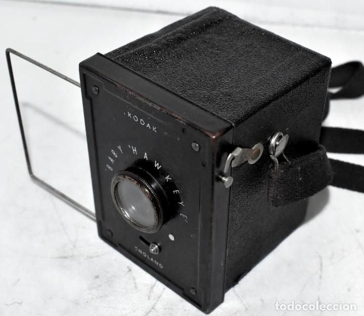 Cámara de fotos: ESCASA Y RARA MINIATURA EN 127 FILM..KODAK BABY HAWKEYE..INGLATERRA 1936..FUNCIONA..REGULAR ESTADO - Foto 4 - 219548917