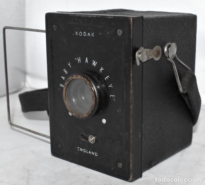 Cámara de fotos: ESCASA Y RARA MINIATURA EN 127 FILM..KODAK BABY HAWKEYE..INGLATERRA 1936..FUNCIONA..REGULAR ESTADO - Foto 7 - 219548917