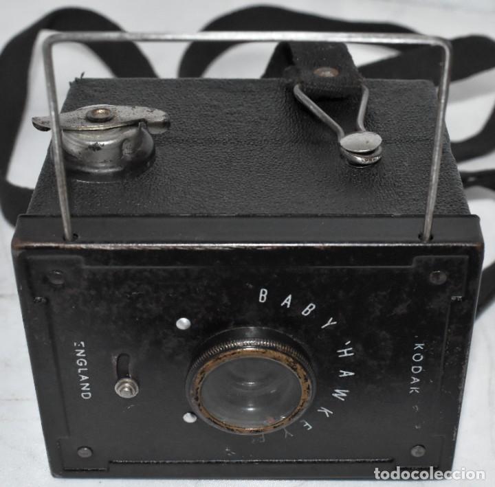 Cámara de fotos: ESCASA Y RARA MINIATURA EN 127 FILM..KODAK BABY HAWKEYE..INGLATERRA 1936..FUNCIONA..REGULAR ESTADO - Foto 9 - 219548917