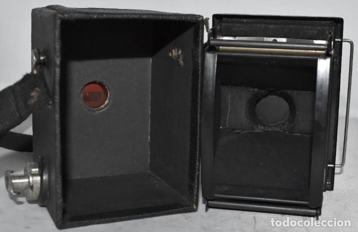 Cámara de fotos: ESCASA Y RARA MINIATURA EN 127 FILM..KODAK BABY HAWKEYE..INGLATERRA 1936..FUNCIONA..REGULAR ESTADO - Foto 10 - 219548917