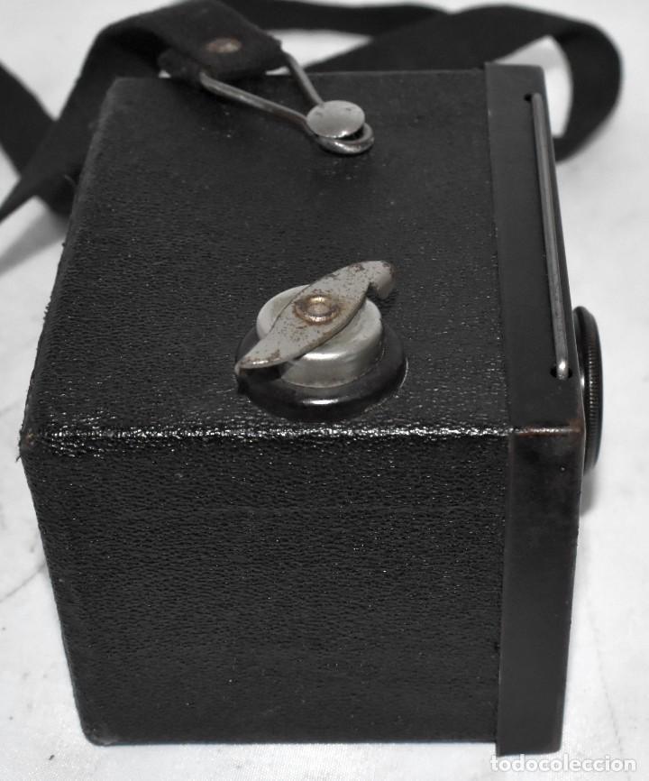 Cámara de fotos: ESCASA Y RARA MINIATURA EN 127 FILM..KODAK BABY HAWKEYE..INGLATERRA 1936..FUNCIONA..REGULAR ESTADO - Foto 15 - 219548917
