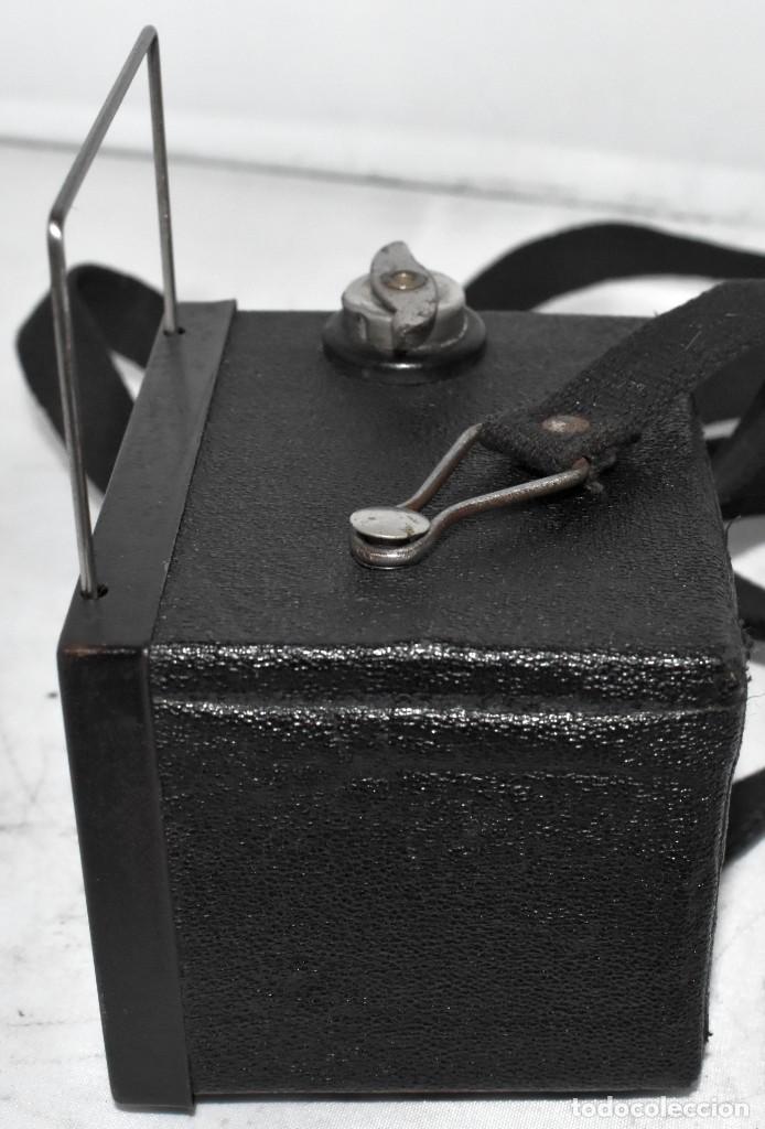 Cámara de fotos: ESCASA Y RARA MINIATURA EN 127 FILM..KODAK BABY HAWKEYE..INGLATERRA 1936..FUNCIONA..REGULAR ESTADO - Foto 16 - 219548917
