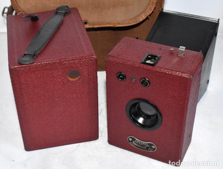Cámara de fotos: CAMARA ANTIGUA DE CAJON, ROJA...INGLESA 1935..CORONET BOX, Nº 2+FUNDA...MUY BUEN ESTADO..FUNCIONA - Foto 10 - 220066541