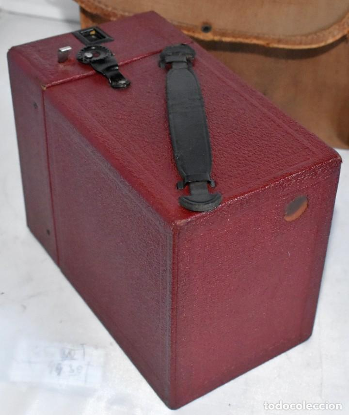 Cámara de fotos: CAMARA ANTIGUA DE CAJON, ROJA...INGLESA 1935..CORONET BOX, Nº 2+FUNDA...MUY BUEN ESTADO..FUNCIONA - Foto 20 - 220066541