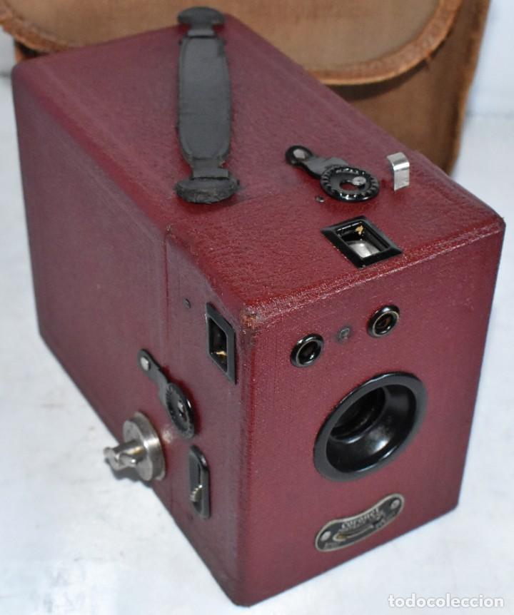 CAMARA ANTIGUA DE CAJON, ROJA...INGLESA 1935..CORONET BOX, Nº 2+FUNDA...MUY BUEN ESTADO..FUNCIONA (Cámaras Fotográficas - Antiguas (hasta 1950))
