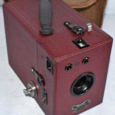 Cámara de fotos: CAMARA ANTIGUA DE CAJON, ROJA...INGLESA 1935..CORONET BOX, Nº 2+FUNDA...MUY BUEN ESTADO..FUNCIONA. Lote 220066541