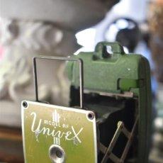 Cámara de fotos: ANTIGUA MÁQUINA DE FOTOS UNIVEX USA AÑOS 30. Lote 222428228