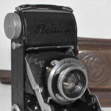 Cámara de fotos: ANTIGUA CAMARA DE FUELLE Y 35 MM..BELCA BELTICA+FUNDA..ALEMANIA 1950.BUEN ESTADO..FUNCIONA.DEFECTO. Lote 223502388