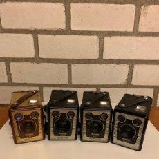 Cámara de fotos: CUATRO CAMARAS DE FOTOS DE LA SERIE BROWNEI SIX 20 DE 1950 MODELO C, MODELO D, MODELO, E, MODELO F. Lote 224974081