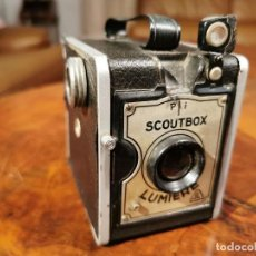 Cámara de fotos: CAMARA ANTIGUA LUMIERE SCOUTBOX FRANCIA 1930 CAJA NEGRA. Lote 230785980