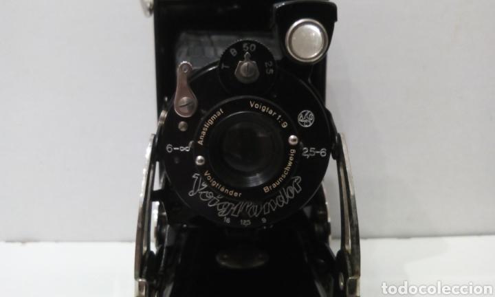 Cámara de fotos: CÁMARA DE FUELLE VOIGTLANDER JUBILAR DE 1931. EDICIÓN ESPECIAL 175 AÑOS DE VOIGTLANDER ANIVERSARIO - Foto 4 - 231737580