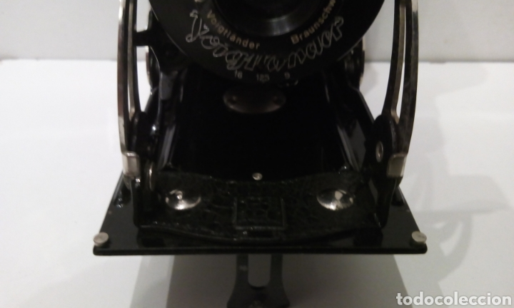 Cámara de fotos: CÁMARA DE FUELLE VOIGTLANDER JUBILAR DE 1931. EDICIÓN ESPECIAL 175 AÑOS DE VOIGTLANDER ANIVERSARIO - Foto 5 - 231737580