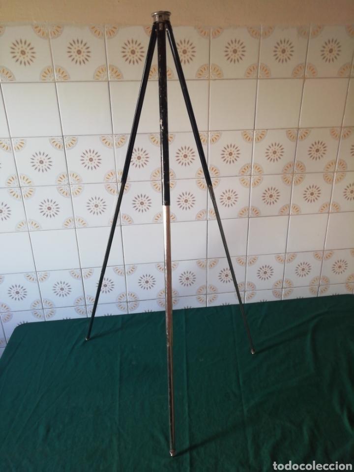 Cámara de fotos: Antiguo tripode de cámara fotográfica - Foto 4 - 234886650