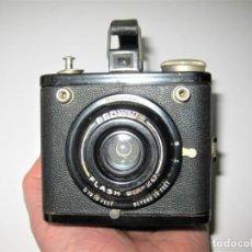 Cámara de fotos: KODAK BROWNIE FLASH SIX-20- CÀMARA FOTOS ANTIGUA MUY BUEN ESTADO FUNCIONA. Lote 236147275
