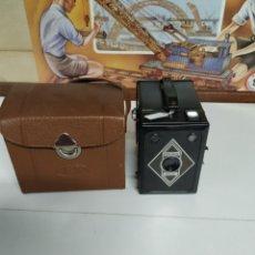 Cámara de fotos: CÁMARA BILORA BOX 1949 EN MUY BUEN ESTADO CON SU FUNDA ORIGINAL.. Lote 237374870
