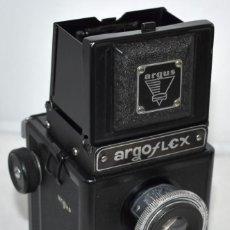 Cámara de fotos: EXCELENTE REFLEX TLR DE BAQUELITA..ARGUS ARGOFLEX E.USA 1940-1948.MUY BUEN ESTADO..FUNCIONA.MUY RARA. Lote 240637770