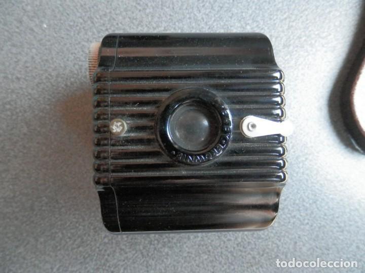Cámara de fotos: CÁMARA FOTOGRÁFICA KODAK BABY BROWNIE BAQUELITA FUNCIONA HACIA 1935 USA FUNDA EN PIEL - Foto 2 - 245128615