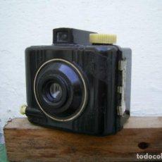 Cámara de fotos: CAMARA KODAK BABY BROWIE, MODELO ESPECIAL....BAQUELITA, FUNCIONANDO, AÑOS 40.... Lote 247113430