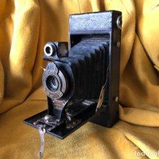 Cámara de fotos: CAMARA BROWNIE AUTOGRAPHIC Nº2 A FOLDING. Lote 254695320