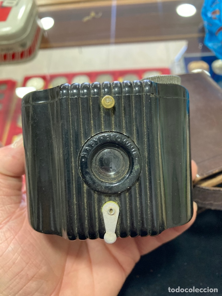 Cámara de fotos: Antigua cámara de fotos de baquelita kodak - Foto 2 - 257977015