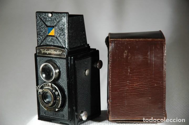 CÁMARA DE 6X6 RÉFLEX VOIGLANDER BRILLANT CON ESTUCHE EN FUNCIONAMIENTO (Cámaras Fotográficas - Antiguas (hasta 1950))