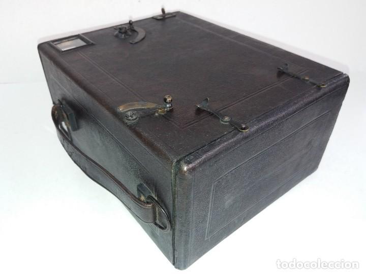 Cámara de fotos: PRECIOSA CAMARA DE DETECTIVE FRANCESA PARA PLACAS 9 X 12 cm MAS DE 120 AÑOS TAMAÑO GRANDE PIEL - Foto 15 - 267080439