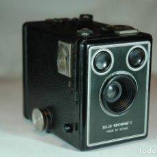 Cámara de fotos: CAMARA BOX DE 6X9 KODAK SIX-20 BROWNIE C EN FUNCIONAMIENTO. Lote 269971353