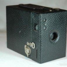 Cámara de fotos: CAMARA BOX DE 6X9 KODAK BROWNIE HAWK-EYE EN FUNCIONAMIENTO. Lote 269971863