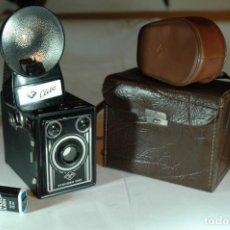 Cámara de fotos: CAMARA AGFA SYNCHRO BOX ART DECO (NUEVA), CON FLASH AGFA Y CON UN ESTUCHE. Lote 270002113