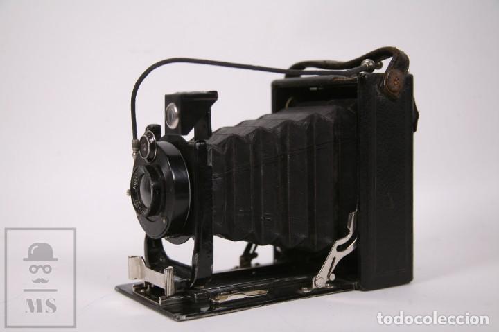 Cámara de fotos: Antigua Cámara de Fotos de Fuelle Ica Volta 105 - Primer Cuarto Siglo XX - Alemania Dresden - Foto 3 - 276792758