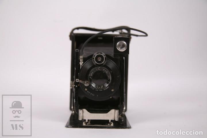 Cámara de fotos: Antigua Cámara de Fotos de Fuelle Ica Volta 105 - Primer Cuarto Siglo XX - Alemania Dresden - Foto 4 - 276792758