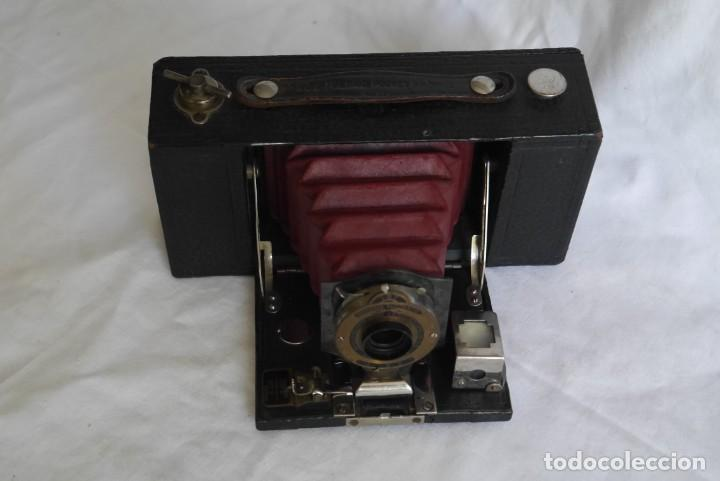 Cámara de fotos: Cámara fotográfica Kodal Brownie Automatíc - Foto 2 - 277624653