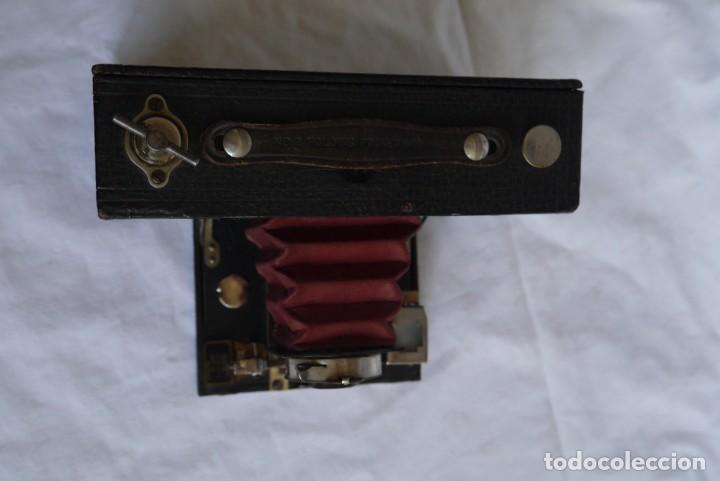 Cámara de fotos: Cámara fotográfica Kodal Brownie Automatíc - Foto 9 - 277624653