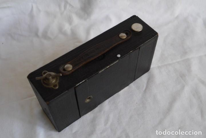 Cámara de fotos: Cámara fotográfica Kodal Brownie Automatíc - Foto 13 - 277624653