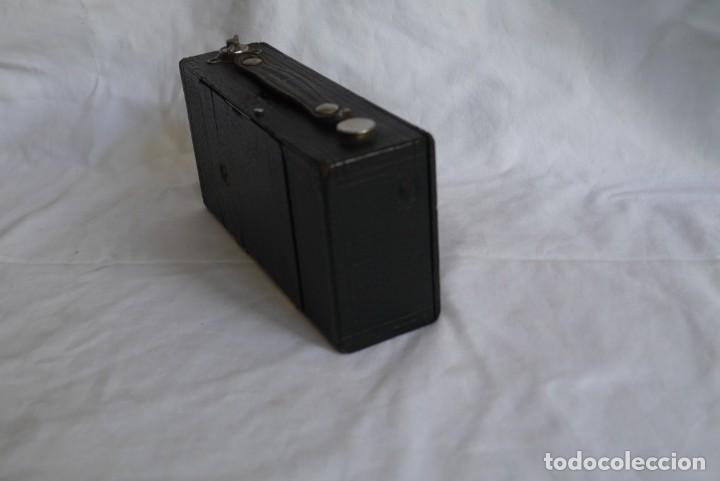 Cámara de fotos: Cámara fotográfica Kodal Brownie Automatíc - Foto 18 - 277624653