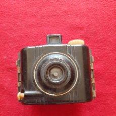 Cámara de fotos: KODAK BROWNIE SPECIAL. Lote 287428068