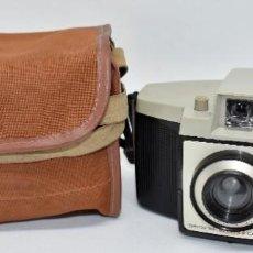 Cámara de fotos: CAMARA ANTIGUA, 120FILM..KODAK BROWNIE CRESTA 3 + FUNDA..INGLATERRA 1960..MUY BUEN ESTADO..FUNCIONA. Lote 288014968