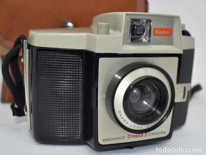 Cámara de fotos: CAMARA ANTIGUA, 120FILM..KODAK BROWNIE CRESTA 3 + FUNDA..INGLATERRA 1960..MUY BUEN ESTADO..FUNCIONA - Foto 2 - 288014968